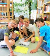 Schulleben_-_Schulbibliothek_3_klein.jpg